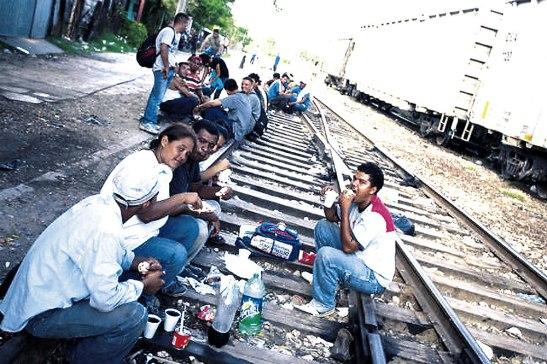 Miles de hondureños han sido retornado al país.