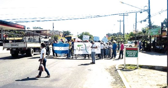 La comunidades se manifestaron por las calles de la ciudad.