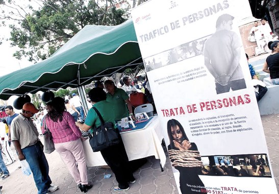 Los transeúntes se abocaron a los diferentes centros de información sobre Explotación Sexual Comercial y la Trata de Personas.